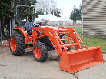 Where to find TRACTOR, 47 HP, KUBOTA  4WD in Gainesville